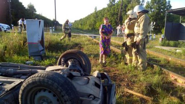 ВоВладимирской области грузовой тепловоз столкнулся слегковушкой