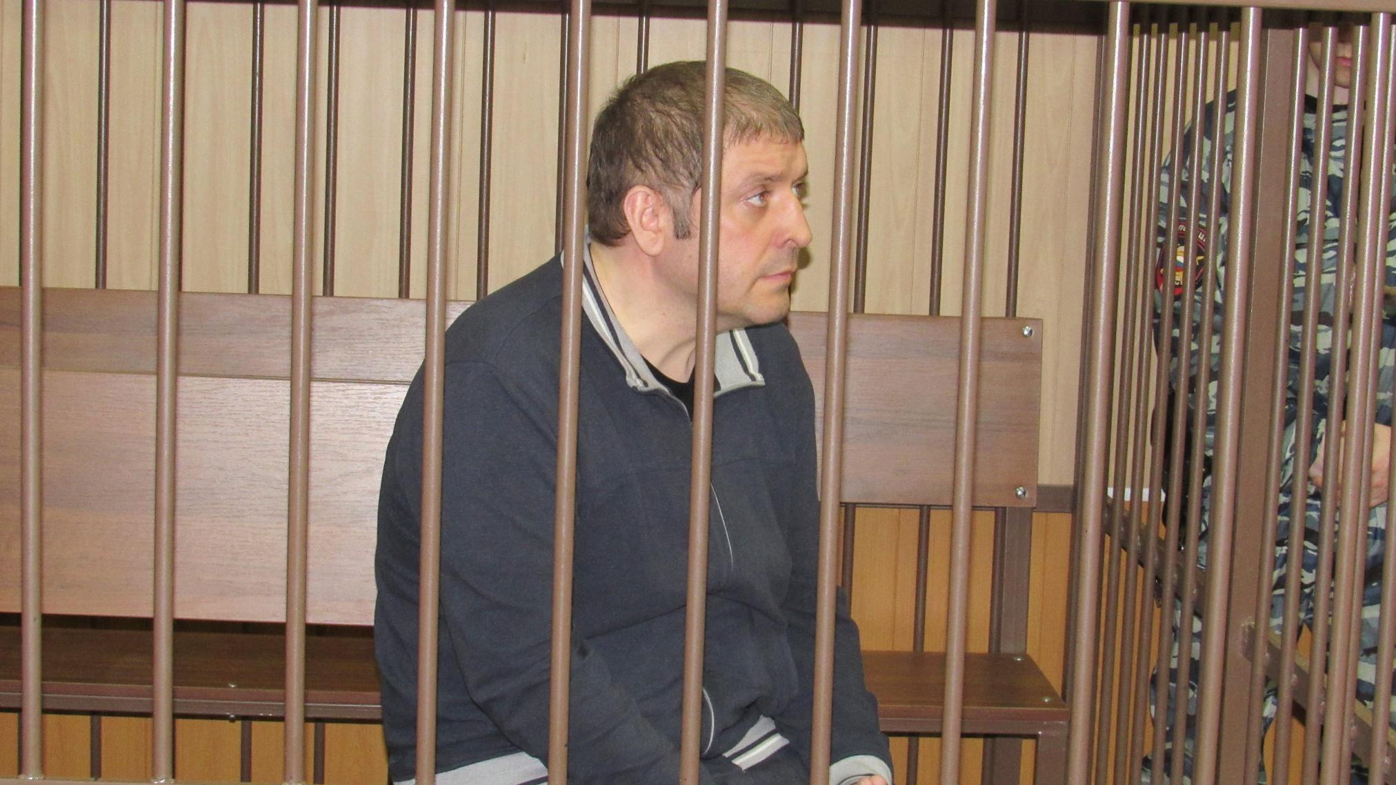 Бывшему заместителю губернатора Дмитрию Хвостову продлили меру пресечения в виде содержания под стражей на 3 месяца до 26 июня 2